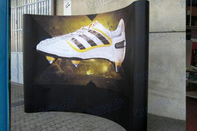 Adidas Extend pop up - Espositore pubblicitario